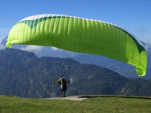 paragliding-sport-fly-paraglider-action